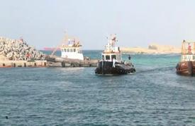 ناقلة نفط تنقذ 135 مهاجرا قبالة ليبيا